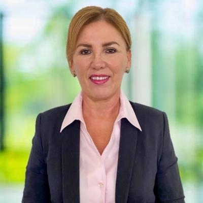 Luz M Undurraga